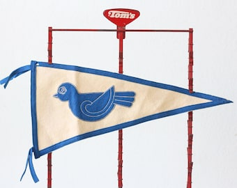 Vintage Bluebird Pennant, Blue and White vintage pennant, Bird Pennant
