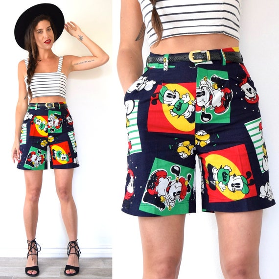 SPRING SALE/ 20% off Vintage 80s 90s Little Bob Dog Novelty Print High Waisted Shorts (size small)