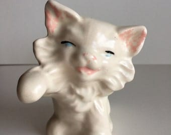 Vintage Cat Kitten Figurine 1940s, white cat figurine, cat statue, fluffy white cat, pink nose, blue eyes, playing kitten, playful white cat