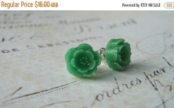 Sale 40% OFF Green Floral Earrings, Flower Earrings, Stud Post Earrings, Sterling Silver Stud Post Earrings, Resin Flower Cabochon Earrings