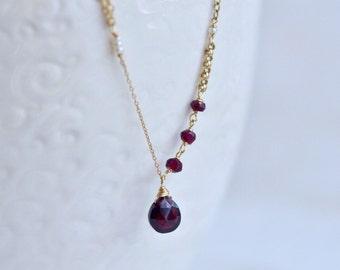 14kt Gold Garnet Bracelet - Dainty Gold Bracelet - Red Garnet Drop Bracelet - Natural Pearl Bracelet - Simple Elegant Bracelet
