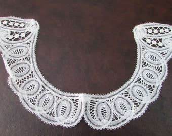 VINTAGE - Brussels Lace Collar