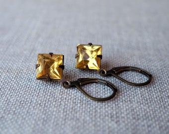 Yellow Vintage Jewel Earrings / Light Yellow Rhinestone Earrings / Estate Style Jewelry / Petite Diamond / Yellow Jewel / Brass Leverback