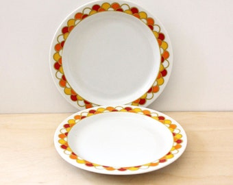 Carousel. Vintage 1970s Georges Briard pair of bread and butter plates.