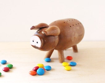 Portia the Piggy. Vintage wooden pig figurine to hold snacks at parties.