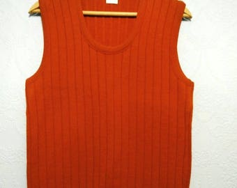 Mens 60s 70s Rusty Orange Knit Acrylic Sweater Vest Vintage Pullover M L Drummond