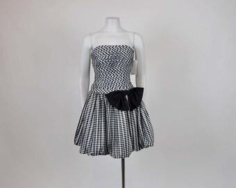 1980s dress / Vintage 80's Strapless Check Bubble Skirt Party Dress
