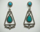 Vtg turquoise and sterling silver drop dangle screwback earrings 1 3/8in. x 5/8in.