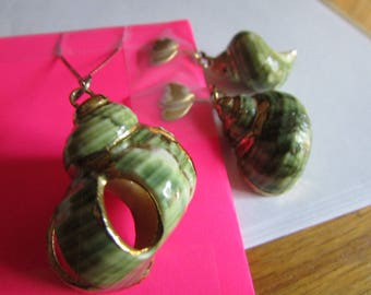 green snail pendent clips