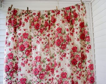 Cheerful floral curtains