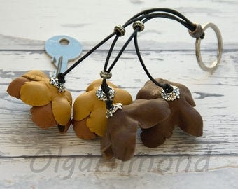 Leather Keychain.Handmade Keychain. Leather bag charm.Leather flower keychain.