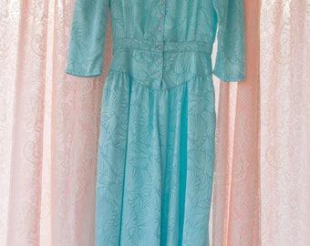 Vintage Dress  - Gorgeous Turquoise Dress Lace Collar Button Front