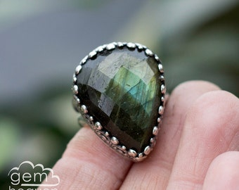 Labradorite and sterling silver statement ring - Isuelt -