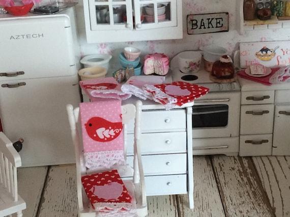 Miniature Dollhouse Valentine Kitchen Towels-1:12 scale decorative
