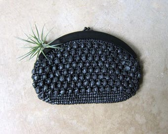 Black Woven Raffia Clutch 80s Natural Straw Handbag Purse Modern Minimal Beach Clutch Plastic Clasp Hand Bag Boho Hippie Resort Purse