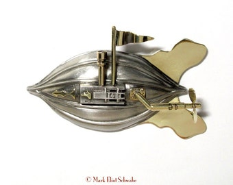 TF 950 Airship brooch - interactive SteamPunk design with spinning propeller & pennant waving in the wind