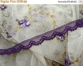 ON SALE 3 Yards Vintage Soft Purple Lace