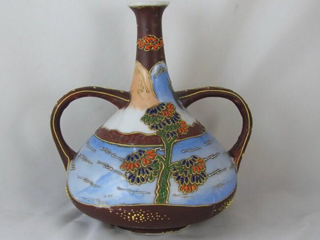 Vintage hand painted Japanese Satsuma double handle urn vase ceramic / pottery / Asian / Oriental / Japan / moriage / Tashiro Shoten/ Nagoya