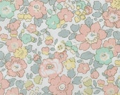 Liberty of london - Betsy original print - Spring colours - fat quarter