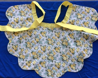 Wonderful Vintage Apron Yellow with Rose Flowers Reversible 50's 60's Fabric Kitchen Textile