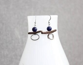 inutchuk earrings, boucles d'oreilles pendantes, bleu marine, navy blue, bois, wood, géométrique, art à porter, bohème, boho, quebec, cadeau