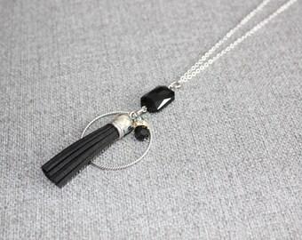 collier long, tassel, ponpon, long necklace, chic, cristal, cristaux, noir, black, gris, grey, noel, quebec, montreal, nica nica bijoux