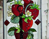 LUSCIOUS STRAWBERRIES - Stained Glass Hanging - Window -  Country Cottage - 1980 Era - Excellent condition