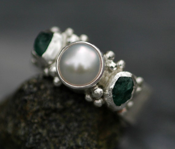 Raw Emerald and White Pearl in Hammered Sterling Silver Ring- Three Ring Bridal Set
