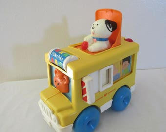 Fisher Price  Pop Up Puppy 1989 Activity School Bus number 1019