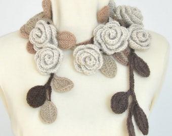 ROSA - Beige - Crochet Rose Lariat