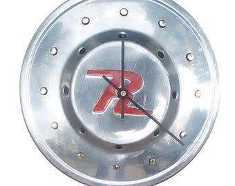 SALE:  Hubcap Clock, Rambler '60s, with dots for numbering  (v 11 14 hub cap)