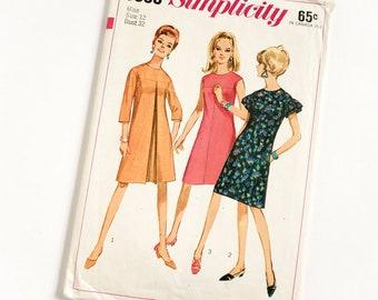 Vintage 1960s Womens Size 12 One Piece Mod A-Line Dress Simplicity Sewing Pattern 6865 Complete / bust 32 waist 25