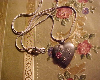Vintage STERLING Heart Locket MOM on Sterling Chain KEEP Loved Ones Near