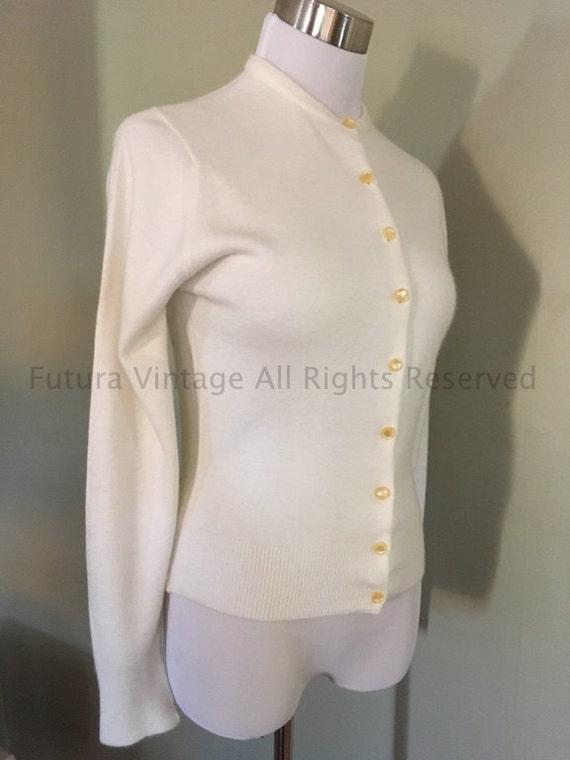1950s TALBOTT for Doris M Oller Cream Color Taralan Acrylic Orlon Cardigan Button Down Sweater-S M