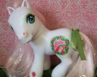 My Little Pony: Strawberry Shortcake (White)