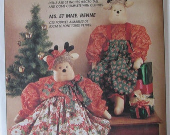 McCalls 7867/Uncut Craft Sewing Pattern/Mr & Mrs Reindeer Doll/33 in Tall/Complete with Clothing/Christmas Dolls/Faye Wine/1996