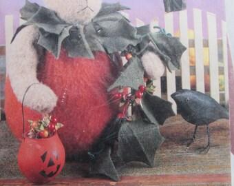 Punkin Pooh/Craft Sewing Pattern by Indigo Junction/1995/12 in Felt Pumpkin Bear/Fall Decoration