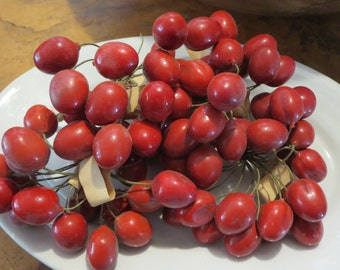 4 bunches millinery fruit Red fruit bunches Bunches of fruit Vintage fruit Millinery fruit Hat making fruit Old hat fruit Made in Germany