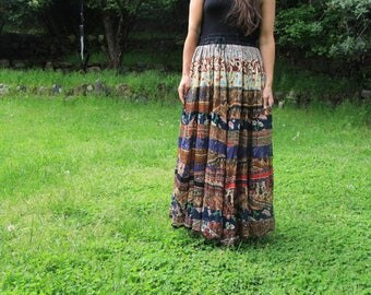 Marrakesh Market - Beautiful 1990s Indian Skirt Bohemian Boho Hippie Festival Tiered Tiers Patchwork Floral Ethnic Paisley Medium