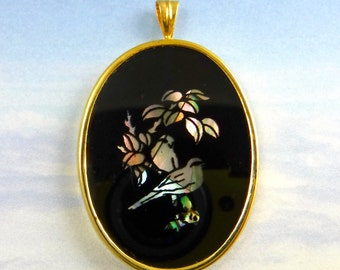 Bird Cameo Pendant Vintage Glass Pendant Large Victorian in Gold setting D-315