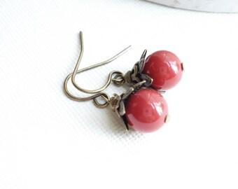 Red Coral Earrings in Vintage Brass, Swarovski Pearls Drop Earrings, Red Beaded Earrings, Gift For Her, Fall Wedding Jewelry, Vintage Style