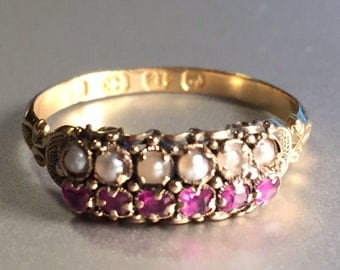 Antique 1860s Victorian 18K Yellow Gold Pearl and Garnet British Ring Size 6