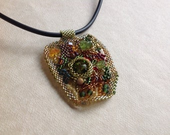Vermont - green, yellow and red pendant freeform peyote seed beaded mini necklace. Prom, wedding, special occasion. Gothic wedding jewelry