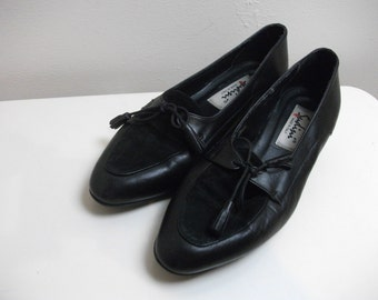 Black 80s Leather and Suede Tassel Tie Loafers, Size 8