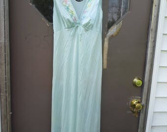 Vintage BLUE  Long Goddess Nightgown w/ colorful flowers  Embroidery - Size:  p small    JCPenney  never worn