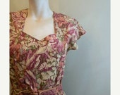 20% Valentines SALE vintage. 40s Inspired Floral  Dress //  Cotton Dress // S to M