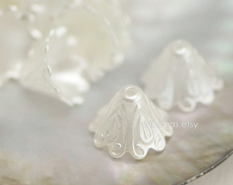 Plastic Acrylic Bead Caps 15mm, Pearly Pearl White Color (#SL019) /30 beads