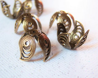 4 - Antiqued brass filigree leaf petal bead caps, - TL233