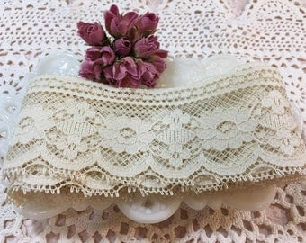 Cream fancy edge Lace Trim Ribbon- 2 yards (4)