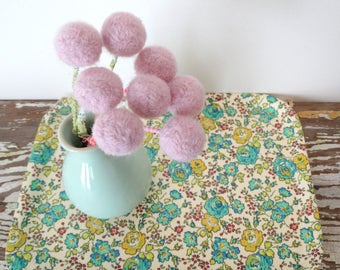 Blush Pink Pom pom Flowers WITH Vase.  Pastel Felt Flowers.  Round Flowers in Mint Green Vase.  Alpaca Wool pompom.  Pink, Mint Centerpiece